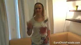 Babe europeo pasa a estar en el estudio y no puedo esperar a mostrar sus cosas.
