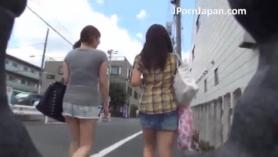 Linda colegiala japonesa Doromimi Maya amor a un poco de polla joven