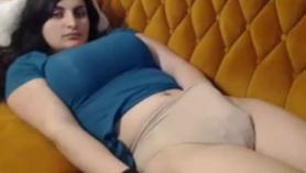 Sexy modelo está teniendo su primer casting DP, porque ahí es donde piensa que las pollas DP la convertirán en