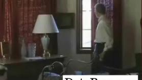 Polluelos con mucho dinero, SkyHigh Favorito se encuentra en una habitación de hotel con su hombre.