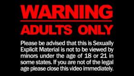 Las estrellas porno, Tali y Sierra SIN están montando una polla dura de roca, durante un espectáculo de webcam