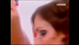 MILF caliente, Taylor se está duchando frente a la cámara, porque ese es su trabajo