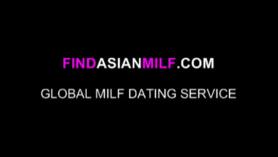 La mujer asiática se está volviendo follada como nunca antes, después de dar una cabeza a un chico a quien le gusta.